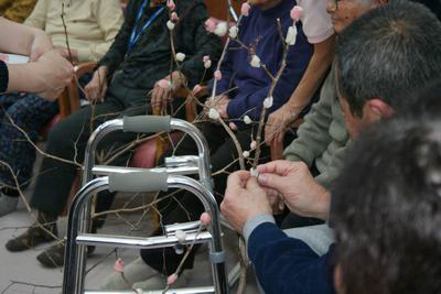 岩村デイサービス・餅花づくり